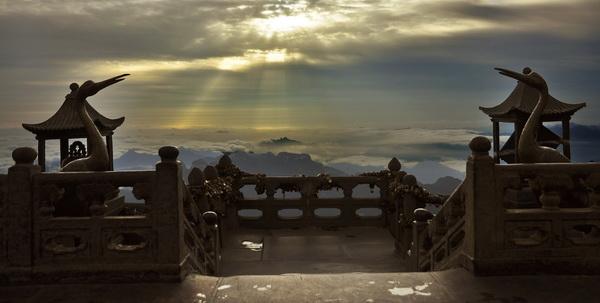 """""""太极湖杯""""2011中国武当摄影大展:金顶霞光"""