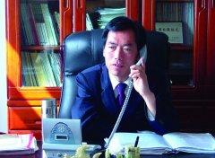 2010年十大杰出村官 赵凤利