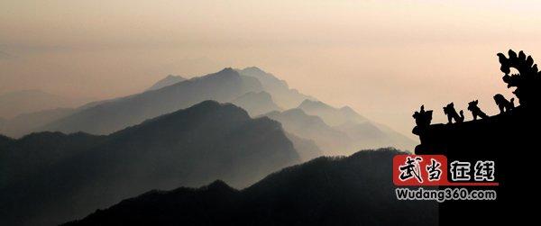 第三届中国武当国际摄影大展获奖作品(银质收藏):神山守望
