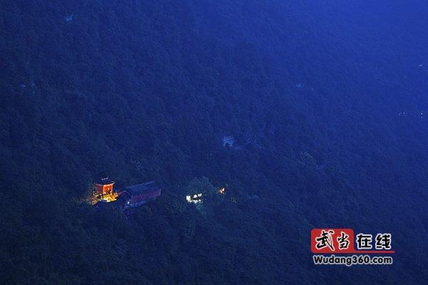 第三届中国武当国际摄影大展获奖作品(银质收藏):榔梅祠夜色
