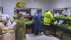 武当山特区:志愿者为居家人员配送生活物资 助力疫情防控